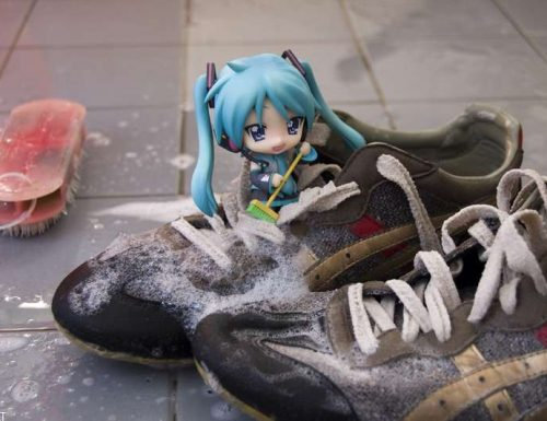 Cosa significa sognare di pulire le scarpe