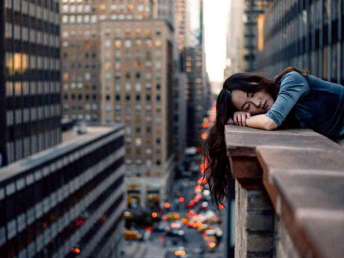 Sognare di cadere dal balcone