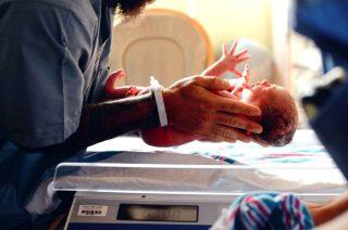 Cosa significa sognare di partorire un bambino