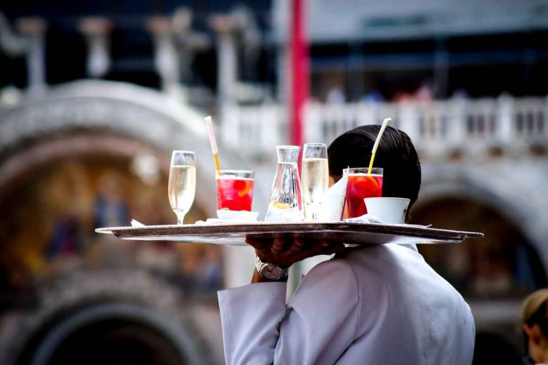 Sognare cameriere
